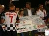 Michael Schumacher, Mario Di Natale e le autorità hanno consegnato un assegno simbolico con la cifra di 25.000€, l'incasso della serata, al Comitato Maria Letizia Verga Onlus