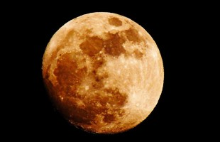 Torna la Superluna. L'8 settembre tutti col naso (e smartphone) all'insù