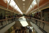 Cina, tenta il suicidio pur di non fare shopping