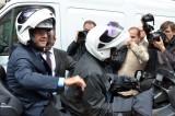 Hollande ancora al centro dello scandalo. Le reazioni dei francesi
