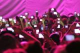 Accendini o smartphone luminosi ai concerti?