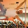 Un uomo sul palo: Michele Vlad Bucur, l'acrobata che ama la pole dance