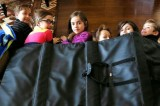 Coperte antiproiettile nelle scuole americane contro le sparatorie
