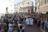 Arriva la partita, la processione di san Giovanni cede il passo