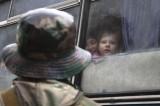 Ucraina, abitanti di Donetsk in fuga. L'attacco di Kiev è imminente