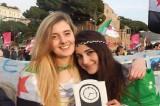 """Vanessa e Greta, l'assessore di Varese: """"Partite per farsi i selfie con i ribelli"""""""