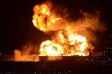 VIDEO – Vasto incendio alla raffineria di Milazzo. A fuoco un milione di carburante
