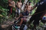 Amazzonia, tribù aggredisce i taglialegna per difendere la foresta