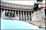 VIDEO Roma, niente taxi per i ciechi. Gli autisti: 'Il cane sbava e vomita'