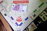 Monopoli con soldi veri: vendute in segreto 80 scatole con euro reali