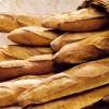Francia, spot antiterrorismo: 'Diffidate di chi non mangia baguette'