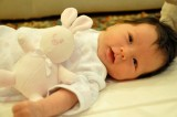 Cina: neonata 'incinta' di due gemelli. Raro caso di fetus in fetu