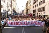 Scuola. 'Prof, Lucio Battisti era fascista?': 4 e nota sul registro