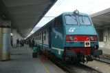 Trieste. Immigrati lungo la ferrovia bloccano il traffico