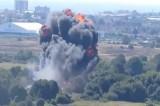 VIDEO Tragedia Airshow in Inghilterra. Aereo precipita su autostrada: 7 morti