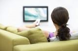 Spettatori sedentari in pericolo: guardare troppa tv può uccidere