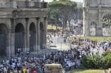 Caso Colosseo: un insulto ai giovani disoccupati
