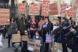 UK: quando l'Iva è sessista. Protesta per la tassa sugli assorbenti