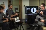 Olly Murs imbarazzato davanti a Jennifer Lawrence