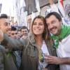FOTO Salvini e il selfie osè con la militante leghista