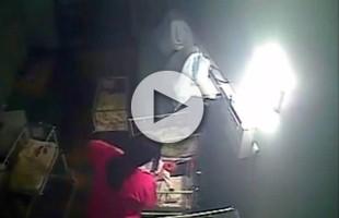 VIDEO Ostetrica picchia neonato in ospedale: il pianto la infastidiva