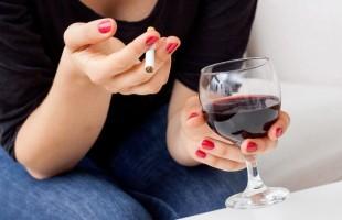 Lo studio: il vino rosso come scudo ai danni del fumo occasionale