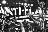 Il punk impegnato degli Anti-Flag infiamma Bologna