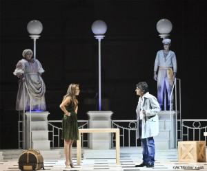Benedetta Valanzano e Vincenzo Salemme in scena
