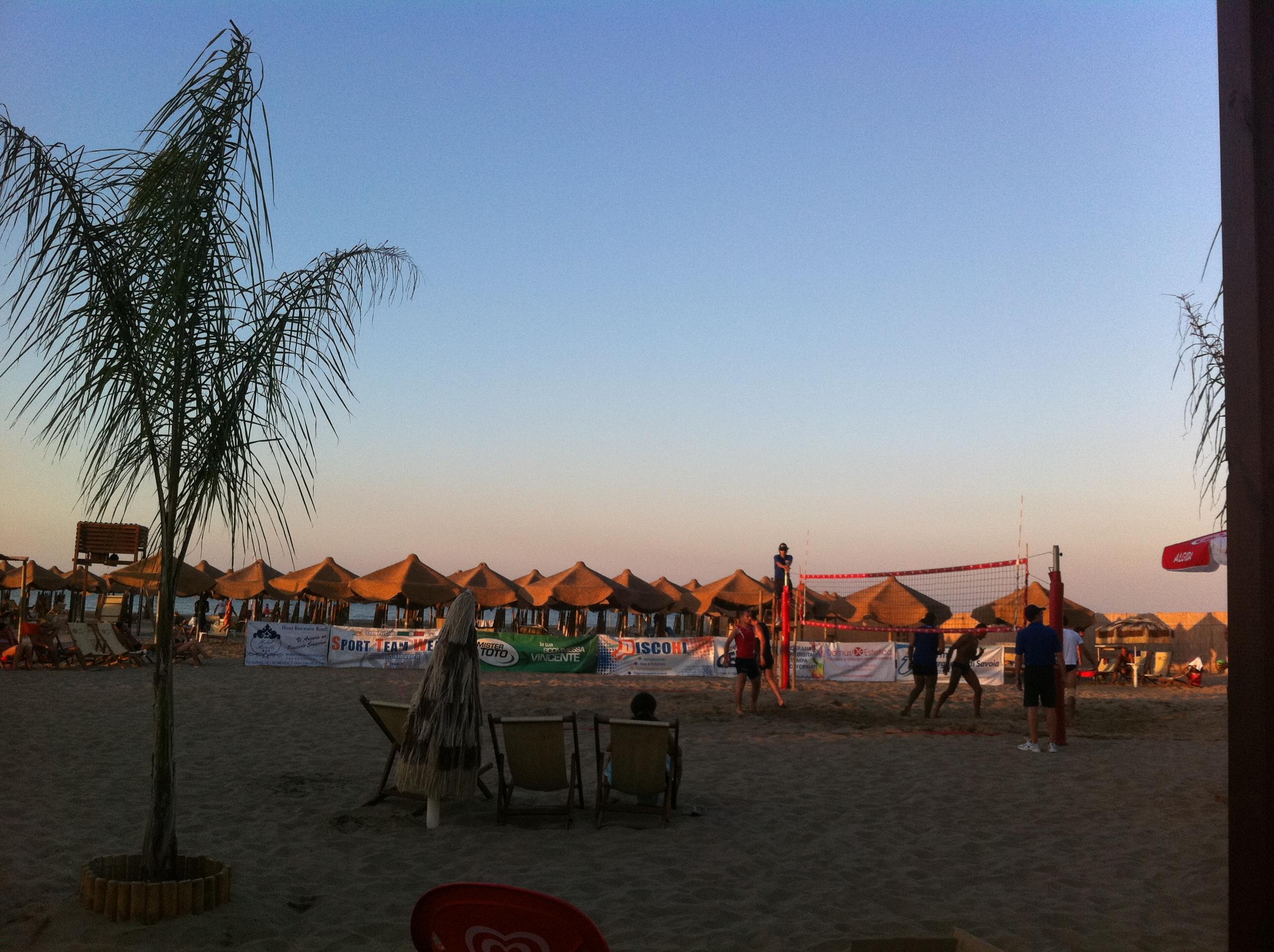 Matrimonio Spiaggia Margherita Di Savoia : La puglia del beach volley anche i piccoli centri cercano