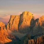 Monte_Pelmo_dal_Lagazuoi_Archivio_Dolomiti_TurismoxS__Bettio_e_L__Cicutin