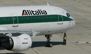 La crisi di Alitalia potrebbe essere risolta con un'operazione entro i confini nazionali