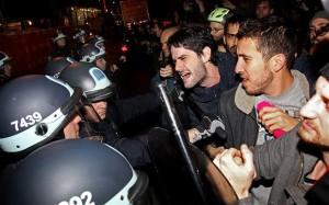 Scontri tra polizia e manifestanti (haisentito.it)