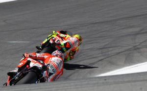 Entrambe le Ducati out in partenza (motorcyclenews.com)
