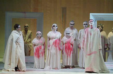 Adattamento teatrale della Medea di Euripide (Photo courtesy of  Teatro Internazionale di Roma.)