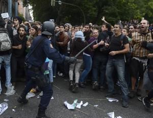 scontri madrid indignados rajoy