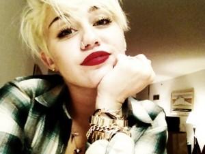Miley Cyrus contenuti su Pheed.com