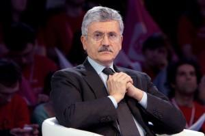 Massimo D'Alema (www.blitzquotidiano.it)