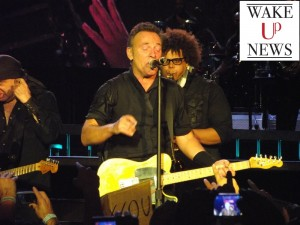 bruce-springsteen-napoli-wakeupnews
