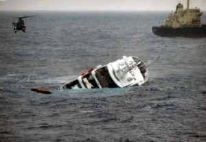 Brindisi, yacht affonda: muore un naufrago a bordo. Foto di: http://www.rainews24.it