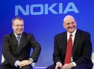 Stephen Elop e Steve Ballmer, rispettivamente CEO di Nokia e Microsoft
