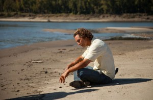 "Matthew Mcconaughey in ""Mud"", di Jeff Nichols (elantepenultimomohicano.com)"