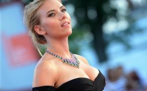 Scarlett Johansson a Venezia (tg24.sky.it)