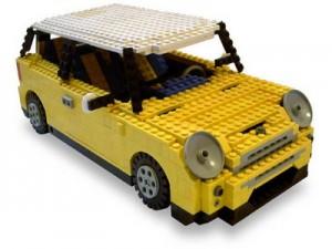 Un'automobile costruita con i mattoncini Lego. Il futuro delle vetture potrebbe essere ben simile