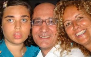 Jessica Cardamuro con i genitori (www.montediprocida.com)