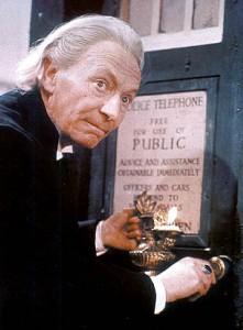 Il primo Dottore, interpretato da William Hartnell (wikimedia.org)