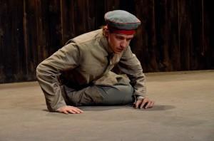 Woyzeck (Lorenzo Gleijeses nel ruolo di Woyzeck)