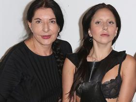L'artista serba Marina Abramovic con Lady Gaga