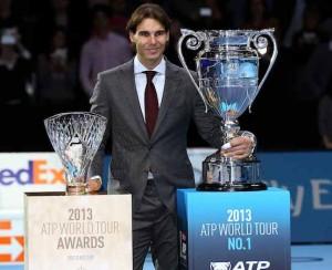 Rafa Nadal, che ha chiuso il 2013 da n° 1 al mondo, dovrà vedersela oggi con il sei volte campione di Londra, Roger Federer