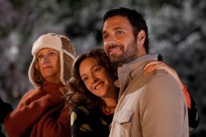Angela Finocchiaro, Cristiana Capotondi e Raoul Bova in una scena del film