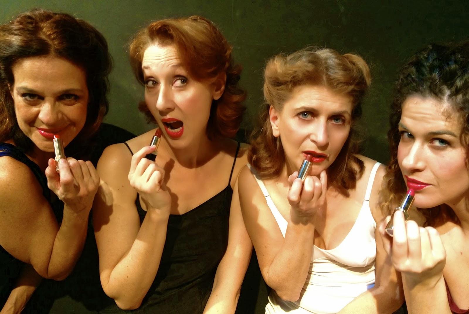 Tra gli spettacoli teatrali di Roma 'Signorinette - le donne si guardino dal lasciar tracce di rossetto sulle schede'